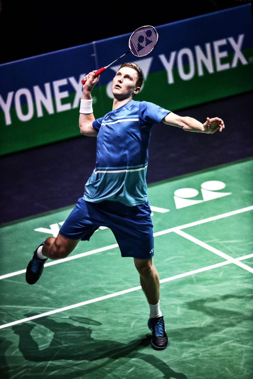 victor axelson playing in yonex tshirt 1792